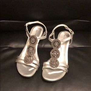 Bandolino Women's Hartley Wedge Sandal